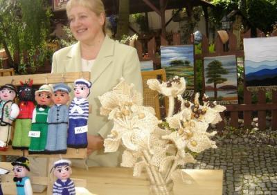 Jolanta Dolat - kwiaty z sizalu i wełniane maskotki
